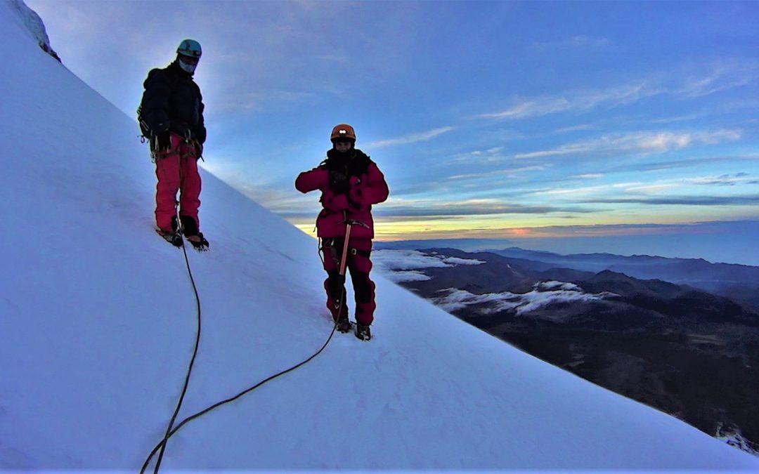 Chimborazora igotzen / Climbing up to Chimborazo ( 6268 m )