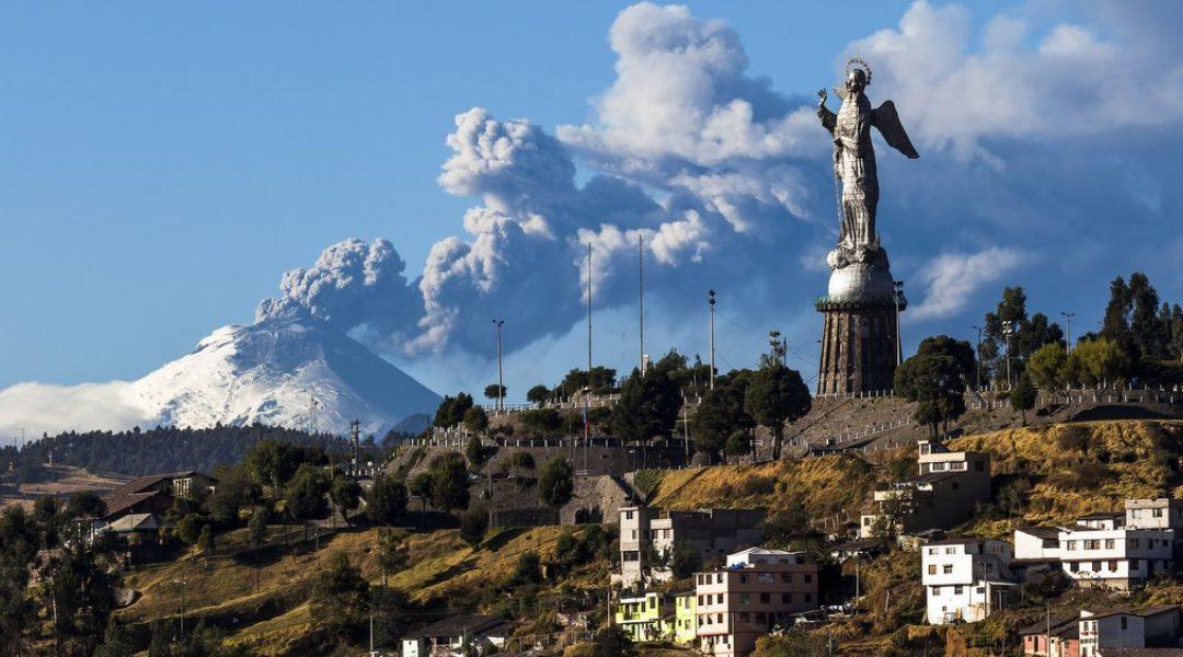 Quito-ra iristen  /  Arriving in Quito
